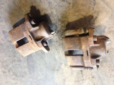 Peugeot 205 Gti 1.9 Front Brake Calipers With New Brake Nipples